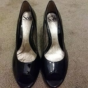 Sofft Peep Toe Heels Size 6her than tiny scuff not